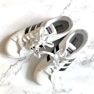 Adidas Women Size 8 US
